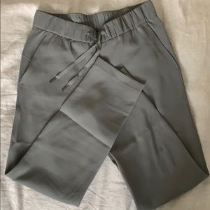 Lululemon on the fly 7/8 woven pant